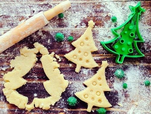 Imagen 1 de 3 de Molde Cortante Para Galletas Árbol De Navidad