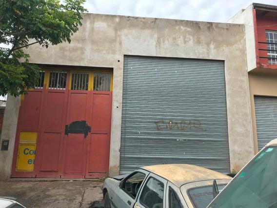 Galpón + Local Comercial En Alquiler!