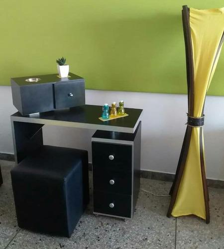 Mesa Para Manicure Con Poof Y Consola De Cera