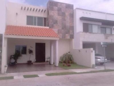 Casa Sola En Renta Fracc. Sierra Nogal