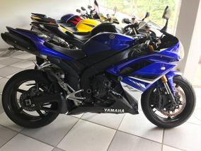 Yamaha R1 .