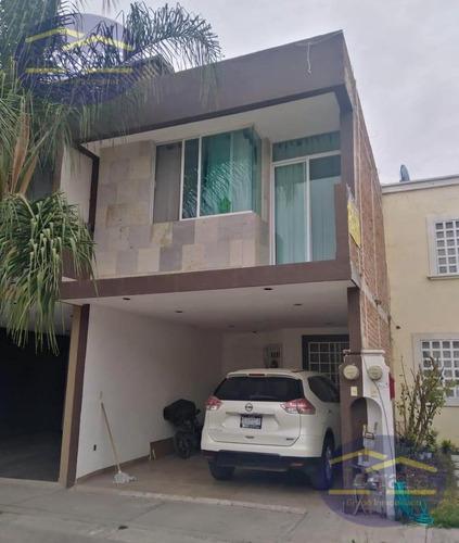 Imagen 1 de 10 de Casa En Venta Fraccionamiento Con Alberca Brisas Del Pedregal León Gto