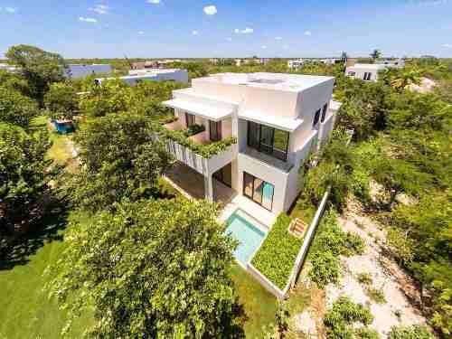 Hermosa Residencia En Yucatán Country Club, Con Vista Al Hoyo 8 Campo De Golf