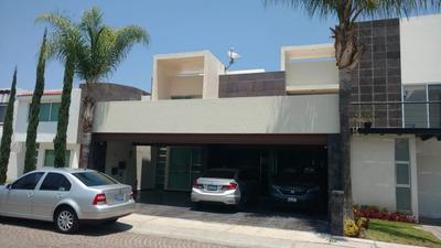 Amplia Casa En Renta En Cumbres Del Lago Hi746