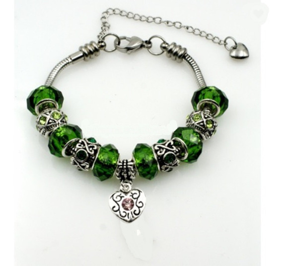Pulsera Con Encantos Color Verde En Acero Inoxidable