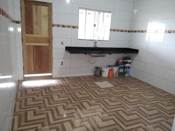 Casa Com 2 Quartos , Sala Cozinha Banheiro E Garagem 2 Carro