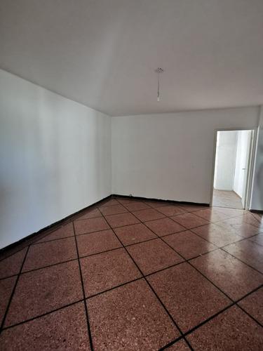 Apartamento Al Frente 2 Dormitorios. Villa Española