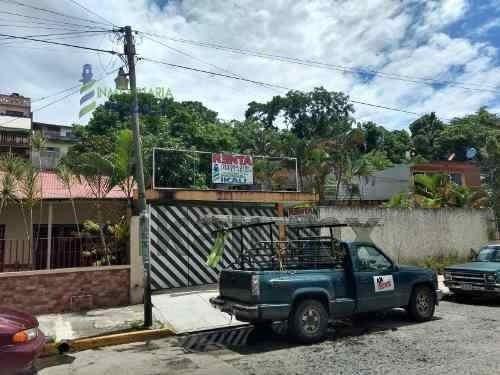 Rento Casa 4 Recamarás Col. Centro Tuxpan Veracruz. A 65 M. De La Tienda Aurrera Y Frente A Materiales Corozal, A Un Costado De Habiterra, En La Calle Arteaga En Zona Comercial, Se Ha Utilizado Como