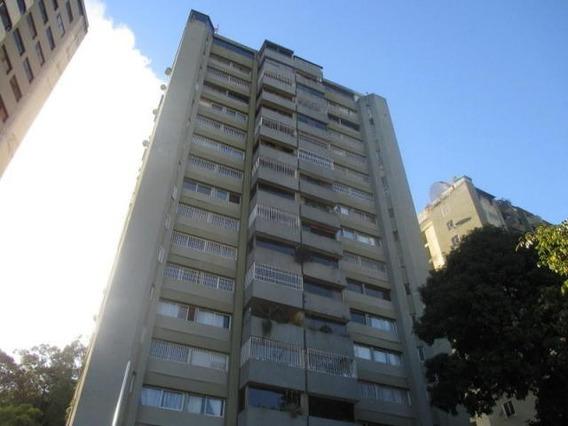 Apartamento En Venta 20-10039
