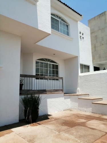 Excelente Casa En Renta Arboledas Del Parque