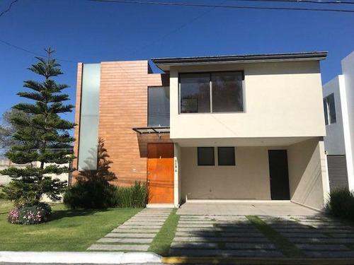 Imagen 1 de 30 de Casa En Venta En Fraccionamiento Xochitlcali