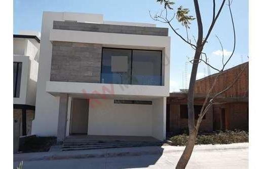 Venta Casa Totalmente Equipada Con Roof Garden Dentro De Privada Punta San Luis