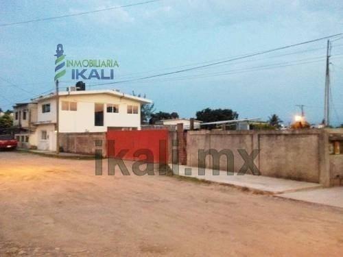 Oficinas En Renta Tuxpan Veracruz Ubicadas En La Calle Ruiz Cortines Esquina Con Moctezuma En La Colonia Del Valle, Recien Remodaladas, En La Planta Alta Son 6 Oficinas, 2 Con Baños Privado Y Aparte
