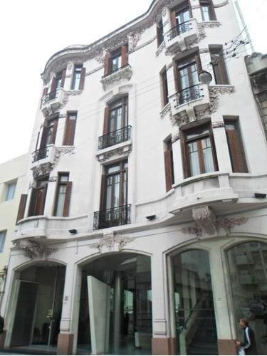 Edificio De 1500 M2 Próximo A Casa De Gobierno