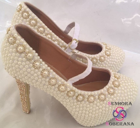 Sapato Perolado Com Correia Off White Cinderela