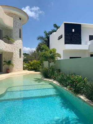 Se Vende Casa En Residencial Lagos Del Sol, Cancún