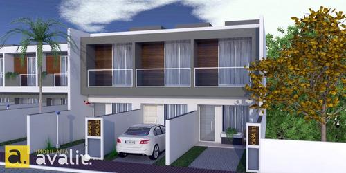 Imagem 1 de 2 de Oportunidade De Investimento !!!  Sobrado Com 2 Dormitórios Localizado A 2km Da Vila Germânica ! Venha Conhecer.  - 6002836v