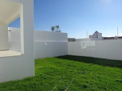 Preciosa Residencia De 3 Niveles En Real De Juriquilla, Sótano, 4 Recs, Jardín