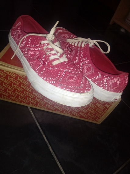 Zapatillas Vans Authentic Rojas Con Detalles En Blanco