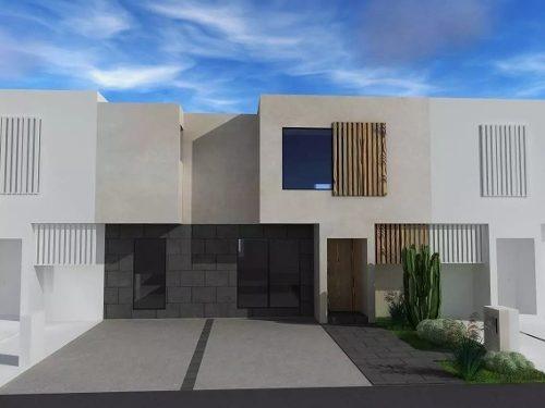 Preciosa Residencia En Altozano, Premium, 3 Recamaras, Estudio O 4ta Rec, Jardín