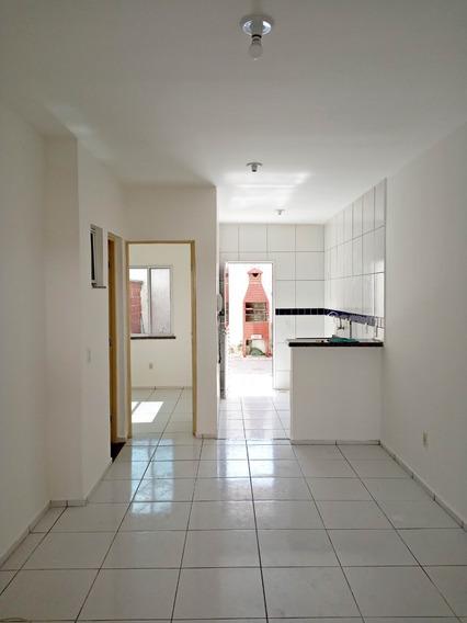 Casa Duplex Em Condomínio Com Piscina, 3 Quartos, Garagem