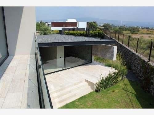 Estrena Casa En El Campanario. Diseño Único !