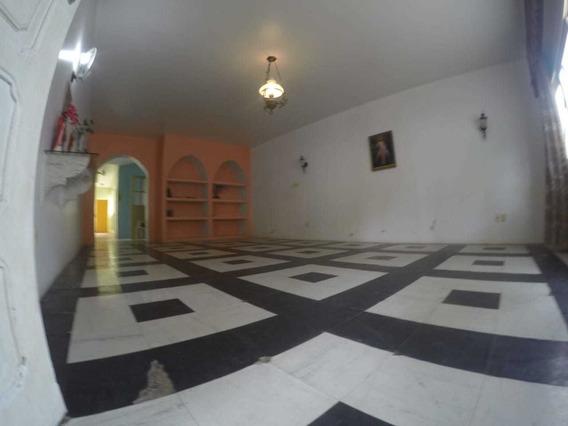 Casa - Padrão, Para Aluguel Em Ilhéus/ba - 1380