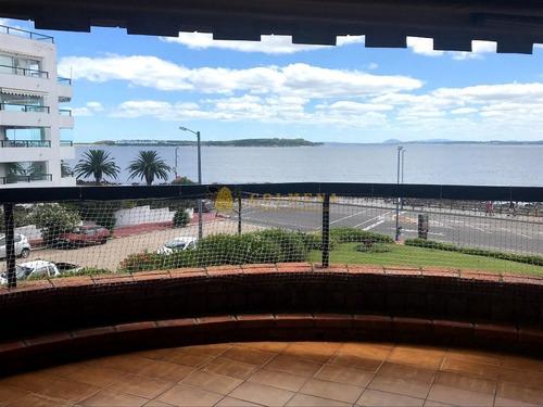 Apartamento En Muy Buena Ubicacion, De 3 Dor, 2 Baños Linda Vista. Consulte!!!!!- Ref: 1982