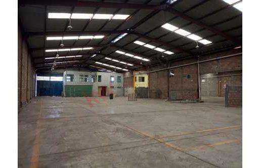 Bodega En Renta Entre Av. Industrias Y Carretera 57- Zona Industrial Y Comercial En San Luis Potosí