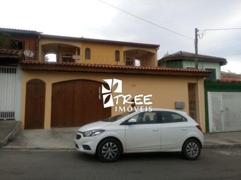 Vende - Casa - Arujá - Jordanopolis - Com A/c 318m² Distribuídos Em 6 Dormitórios, 2 Suíte, Banheira, Hidro, Sala, Sala De Estar, Sacada Frente, Varan - Ca01439 - 33357221