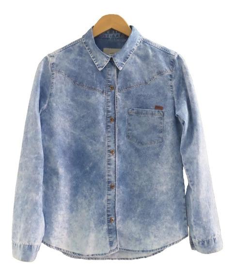 Camisa Feminina Zoe Jeans Com Bolsos Estonada Azul Claro