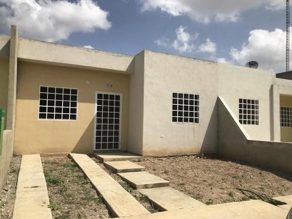 Casa En Alquiler Cabudare 20-11002 Rm 04245038618