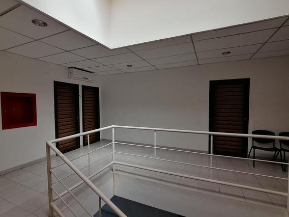 Comercial En Cabudare Centro Alquiler 20-4970 Jm 04145717884