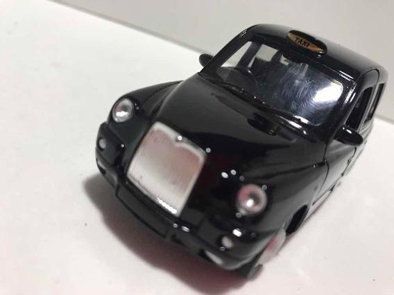 Miniatura Chrysler Taxi Preto Escala 1/32