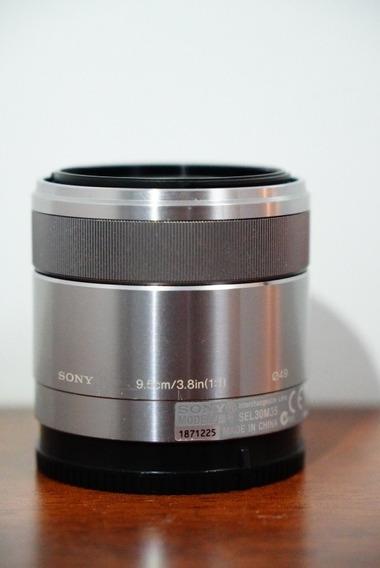 Baixei! Sony Macro Aps-c 30mm 3.5 Muito Nova