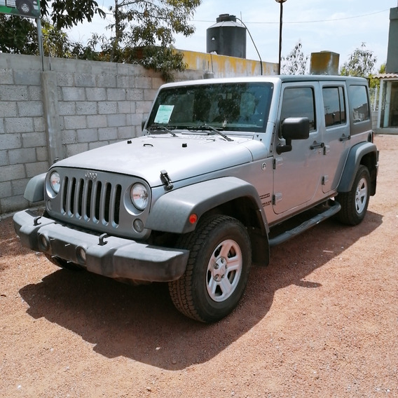 Jeep Wrangler 3.6 3p Unlimited Sport 4x4 At 2014