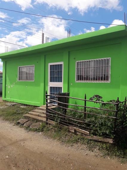 Casa En Higuerote 2 Habitaciones 2 Baños