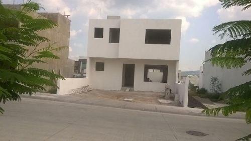 Hermosa Casa En Milenio Iii, De Oportunidad !! Ganela !!