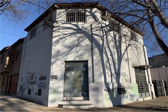 Oficina - Local En Venta En La Plata. Oportunidad.