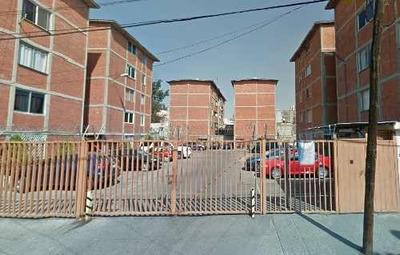 Departamento En Calle Laurel, Agrícola Pantitlan, Iztacalco