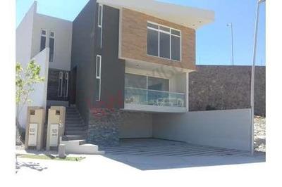 Oportunidad Casa En Venta En Residencial Del Roble, Pedregal