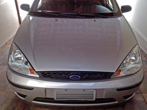 Imagem 1 de 7 de Ford Focus Hatch 1.6 Gl 8v Flex 4p Manual