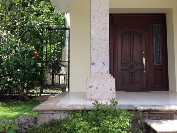 Casa En Venta Y Renta En Puerta De Hierro En Castilla La Nue
