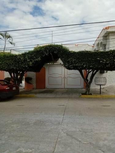 Casa En Venta En La Calle Virgilio Uribe En Fraccionamiento Costa Azul, Acapulco