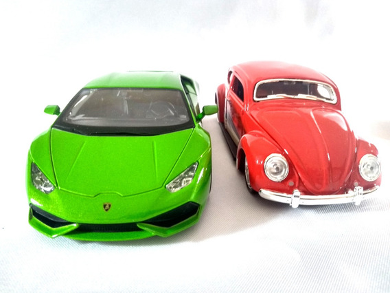 Kit Lamborghini Huracan Verde + Fusca Volkswagen Maisto 1:24