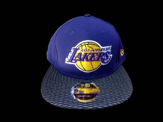 Gorra New Era 950 Reflective Lakers La Snapback Unitalla