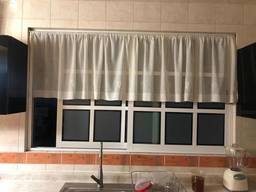 Imagen 1 de 3 de Ventana Para Casa De Aluminio