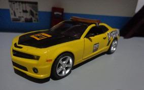 Miniatura Chevrolet Camaro Safet Car Caterpillar 1/32