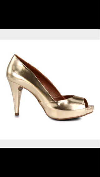 Sapato Schütz Dourado 36