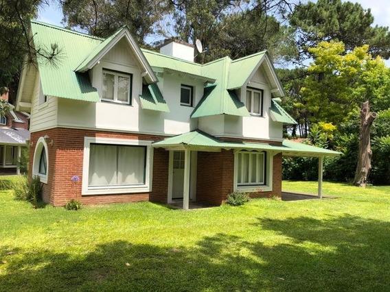 Casa De 3 Dormitorios Y 2 Baños - Pinamar Norte